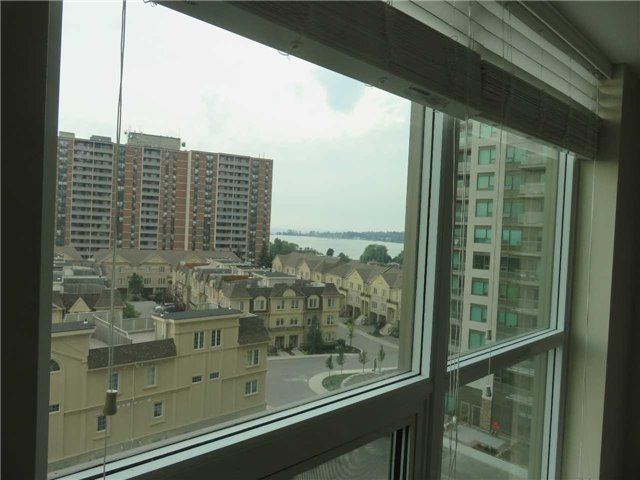 Condo Apartment at 1235 Bayly St, Unit 714, Pickering, Ontario. Image 2