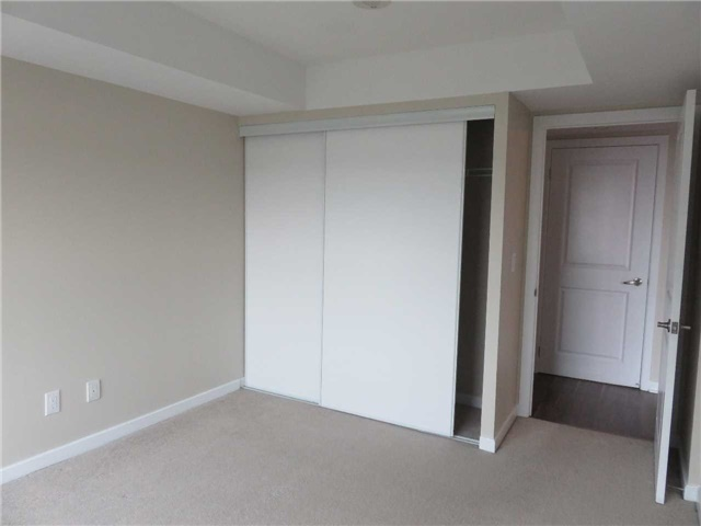 Condo Apartment at 1235 Bayly St, Unit 714, Pickering, Ontario. Image 3