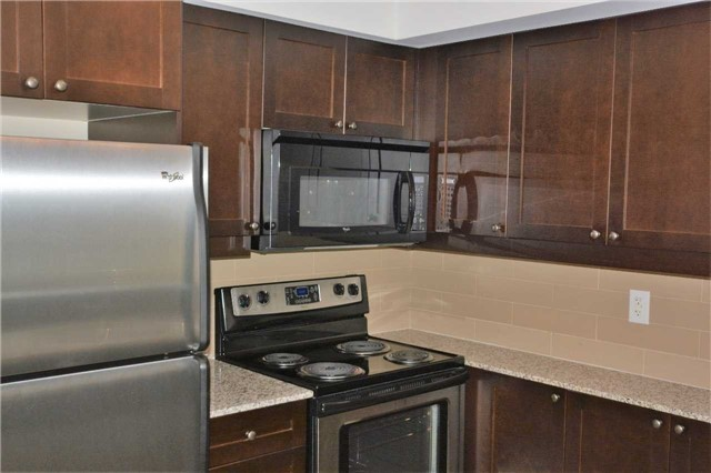 Condo Apartment at 1235 Bayly St, Unit 714, Pickering, Ontario. Image 5