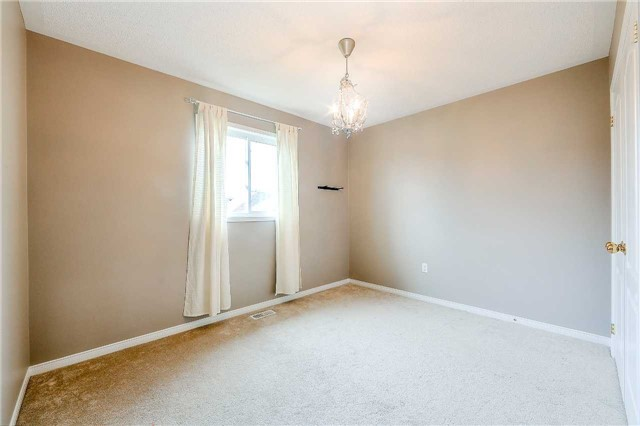 Detached at 116 Kenneth Cole Dr, Clarington, Ontario. Image 7