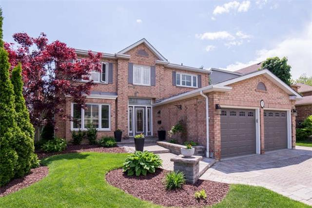 Detached at 5 Chipperfield Cres, Whitby, Ontario. Image 1