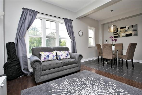 Townhouse at 1786 Carousel Mews, Pickering, Ontario. Image 3