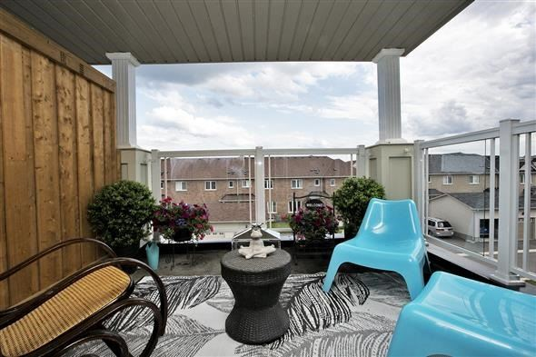 Townhouse at 1786 Carousel Mews, Pickering, Ontario. Image 10
