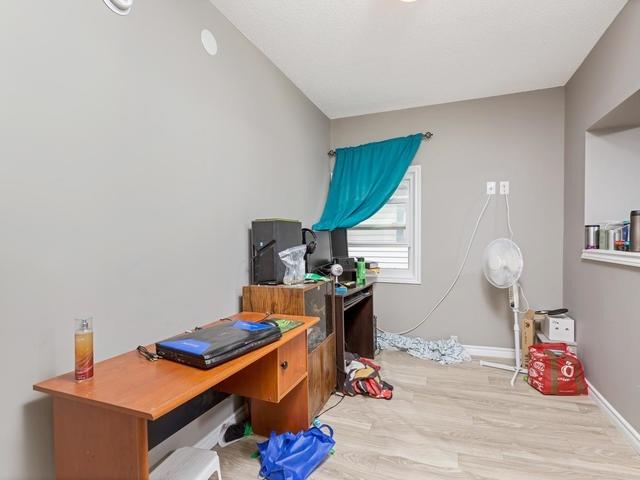 Duplex at 272 Haig St, Oshawa, Ontario. Image 16