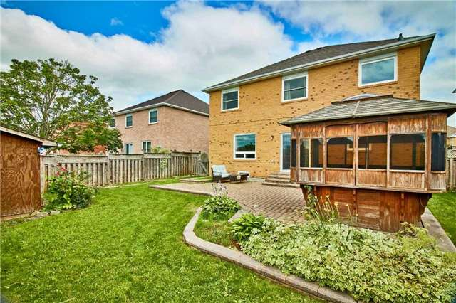 Detached at 7 Donald Wilson St, Whitby, Ontario. Image 12