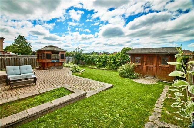 Detached at 7 Donald Wilson St, Whitby, Ontario. Image 14