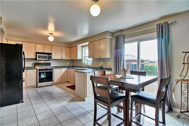 Detached at 7 Donald Wilson St, Whitby, Ontario. Image 17