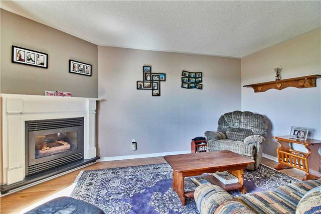 Detached at 7 Donald Wilson St, Whitby, Ontario. Image 20