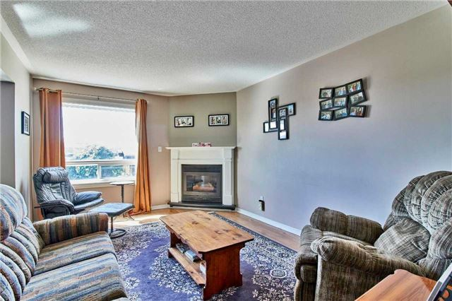 Detached at 7 Donald Wilson St, Whitby, Ontario. Image 2
