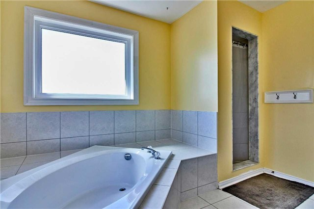 Detached at 7 Donald Wilson St, Whitby, Ontario. Image 6