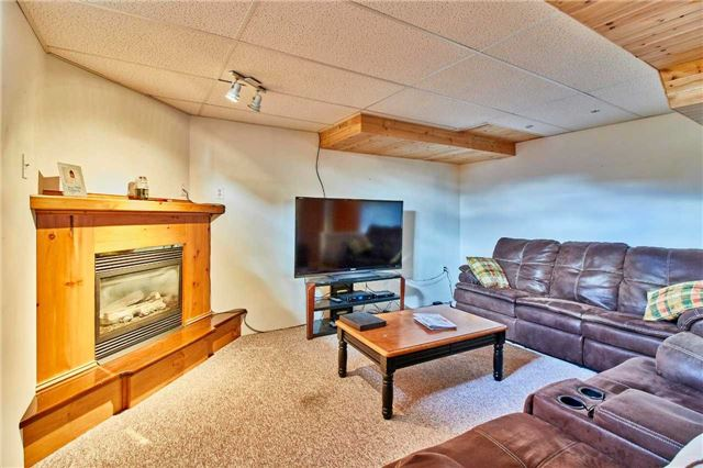Detached at 7 Donald Wilson St, Whitby, Ontario. Image 11