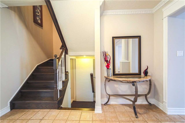 Detached at 63 Jays  Dr, Whitby, Ontario. Image 19
