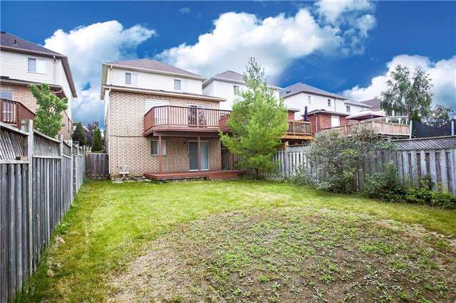 Detached at 63 Jays  Dr, Whitby, Ontario. Image 13