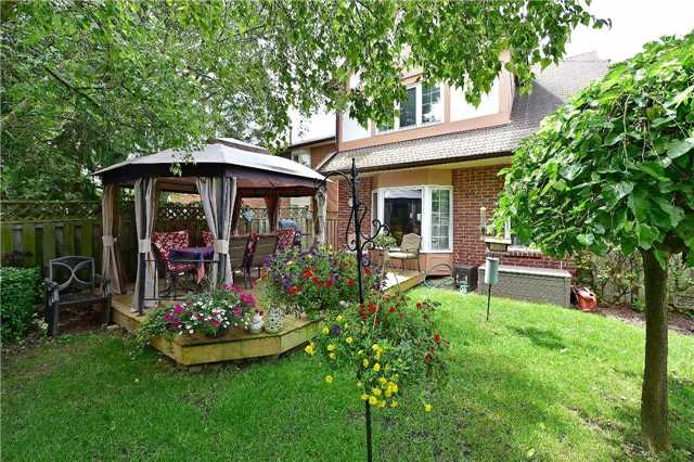 Detached at 1943 Fairport Rd, Pickering, Ontario. Image 10