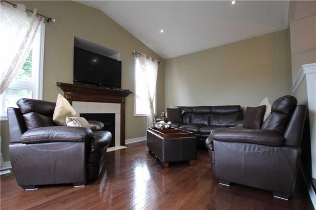 Detached at 210 Avondale Dr, Clarington, Ontario. Image 13