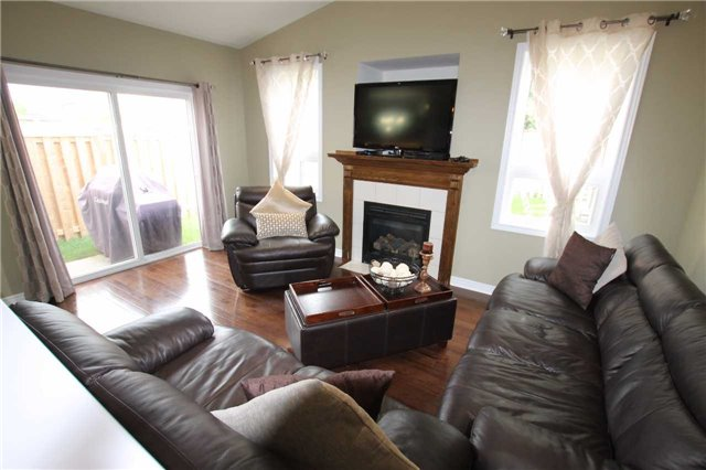 Detached at 210 Avondale Dr, Clarington, Ontario. Image 14