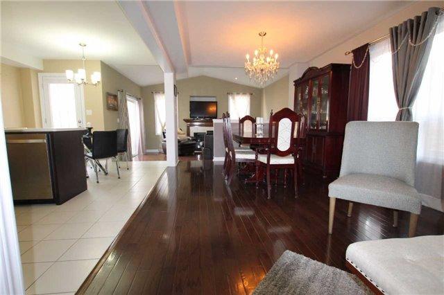 Detached at 210 Avondale Dr, Clarington, Ontario. Image 4