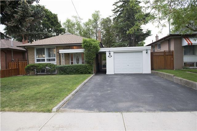 Detached at 99 Lowcrest Blvd, Toronto, Ontario. Image 1