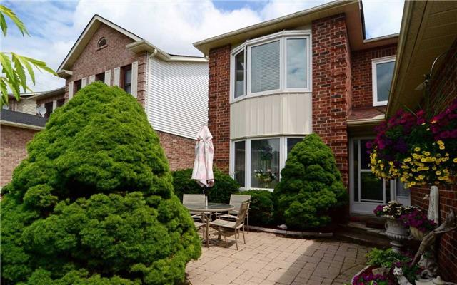 Detached at 1109 Maple Gate Rd, Pickering, Ontario. Image 12