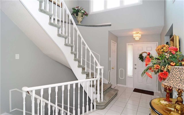 Detached at 1109 Maple Gate Rd, Pickering, Ontario. Image 14