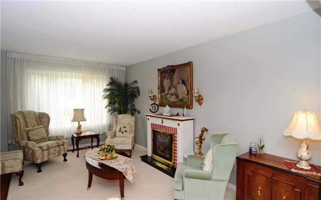 Detached at 1109 Maple Gate Rd, Pickering, Ontario. Image 17