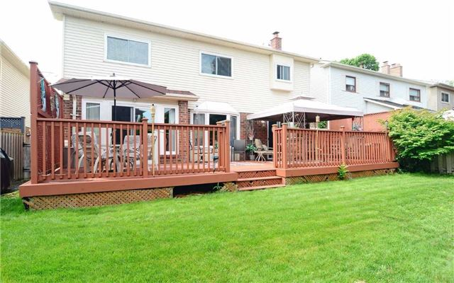 Detached at 1109 Maple Gate Rd, Pickering, Ontario. Image 13