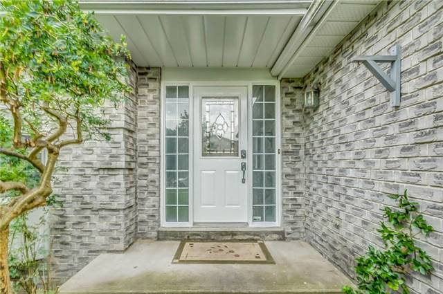 Detached at 1589 Dellbrook Ave, Pickering, Ontario. Image 14