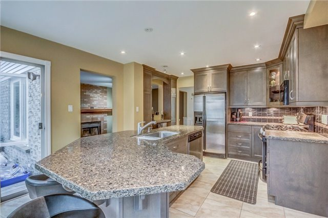 Detached at 1589 Dellbrook Ave, Pickering, Ontario. Image 18