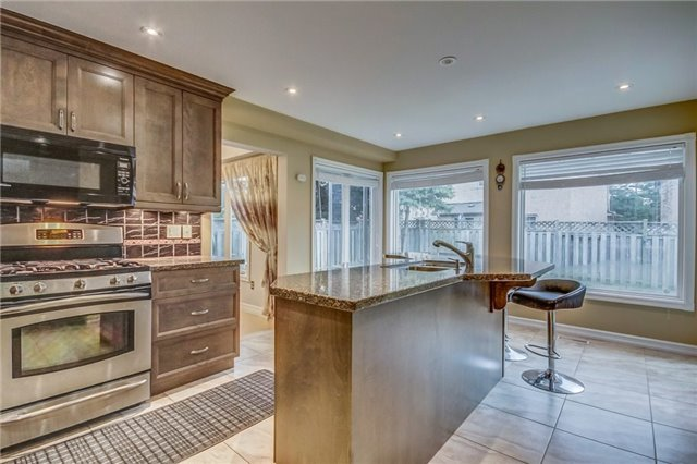 Detached at 1589 Dellbrook Ave, Pickering, Ontario. Image 20