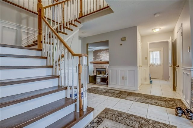 Detached at 1589 Dellbrook Ave, Pickering, Ontario. Image 2