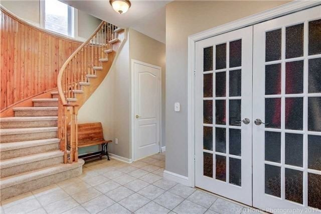 Detached at 1 Thames Dr, Whitby, Ontario. Image 14