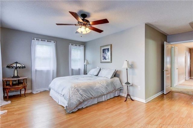 Detached at 1 Thames Dr, Whitby, Ontario. Image 2