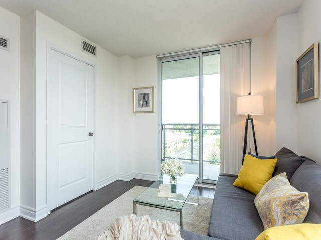Condo Apartment at 6  Rosebank  Dr, Unit 8E, Toronto, Ontario. Image 17