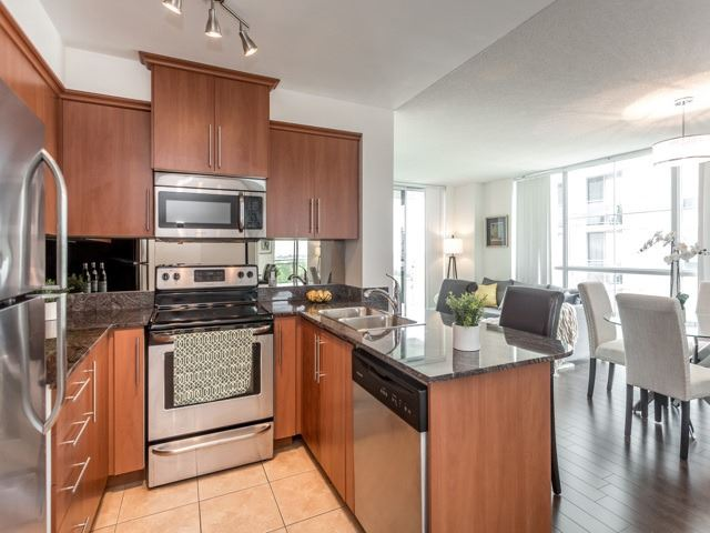 Condo Apartment at 6  Rosebank  Dr, Unit 8E, Toronto, Ontario. Image 3