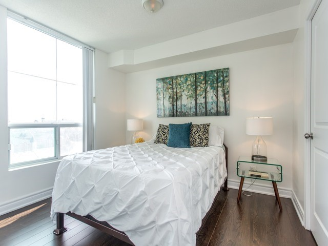 Condo Apartment at 6  Rosebank  Dr, Unit 8E, Toronto, Ontario. Image 4