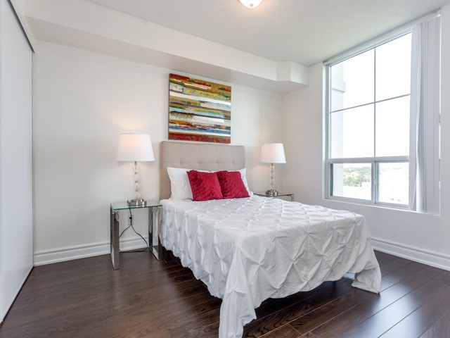 Condo Apartment at 6  Rosebank  Dr, Unit 8E, Toronto, Ontario. Image 7