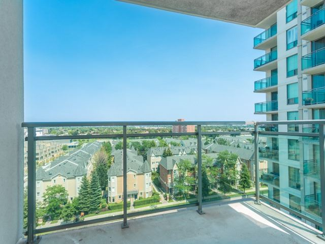 Condo Apartment at 6  Rosebank  Dr, Unit 8E, Toronto, Ontario. Image 9