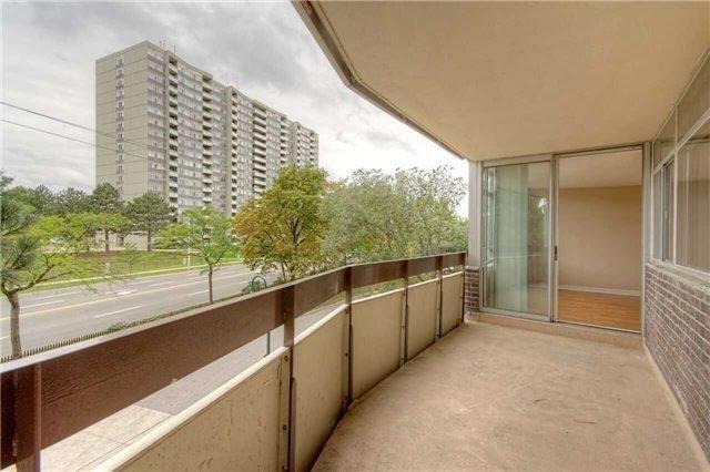 Condo Apartment at 45 Huntingdale Blvd, Unit 301, Toronto, Ontario. Image 17