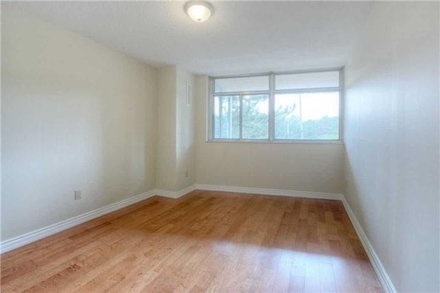 Condo Apartment at 45 Huntingdale Blvd, Unit 301, Toronto, Ontario. Image 9