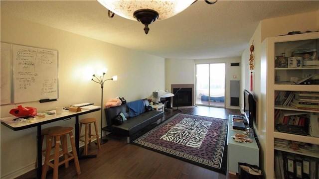 Condo Apartment at 275 Bamburgh Circ, Unit Ph12, Toronto, Ontario. Image 7