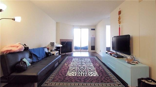 Condo Apartment at 275 Bamburgh Circ, Unit Ph12, Toronto, Ontario. Image 8