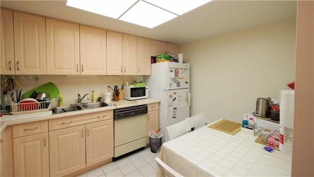 Condo Apartment at 275 Bamburgh Circ, Unit Ph12, Toronto, Ontario. Image 10