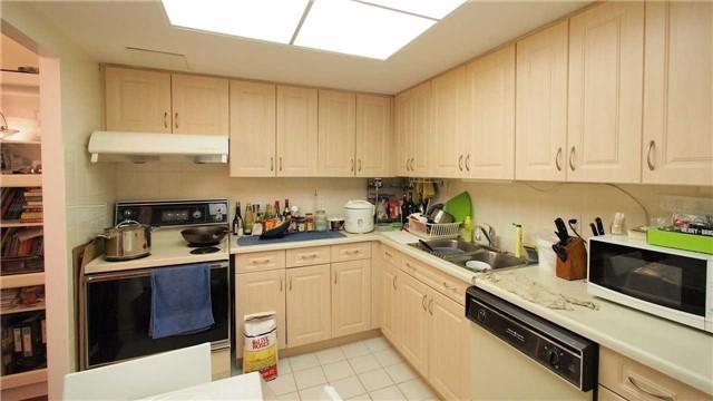 Condo Apartment at 275 Bamburgh Circ, Unit Ph12, Toronto, Ontario. Image 11