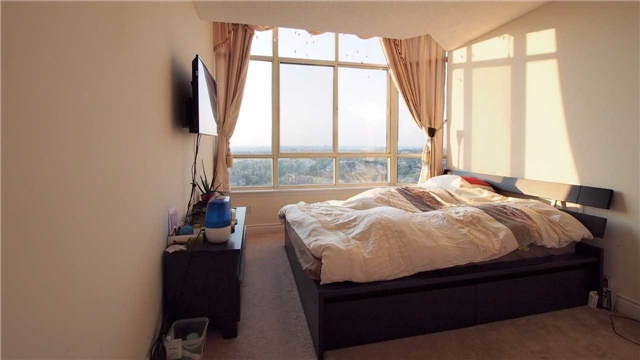 Condo Apartment at 275 Bamburgh Circ, Unit Ph12, Toronto, Ontario. Image 2