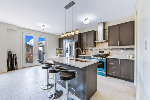 Detached at 18 Ainley Rd, Ajax, Ontario. Image 14