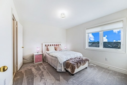 Detached at 18 Ainley Rd, Ajax, Ontario. Image 5