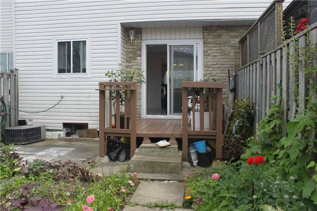 Condo Townhouse at 40 Wayside Ave, Unit 3, Toronto, Ontario. Image 13