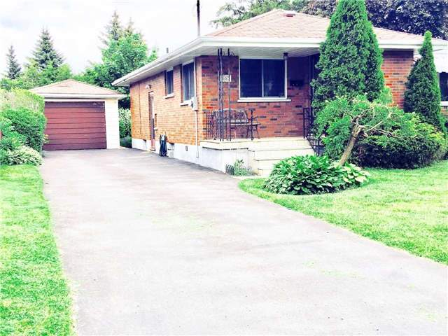 Detached at 653 Gibbons St, Oshawa, Ontario. Image 1