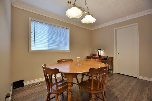 Detached at 12 Poolton Cres, Clarington, Ontario. Image 4