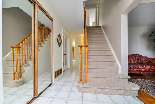 Detached at 6 Coughlen St, Ajax, Ontario. Image 14